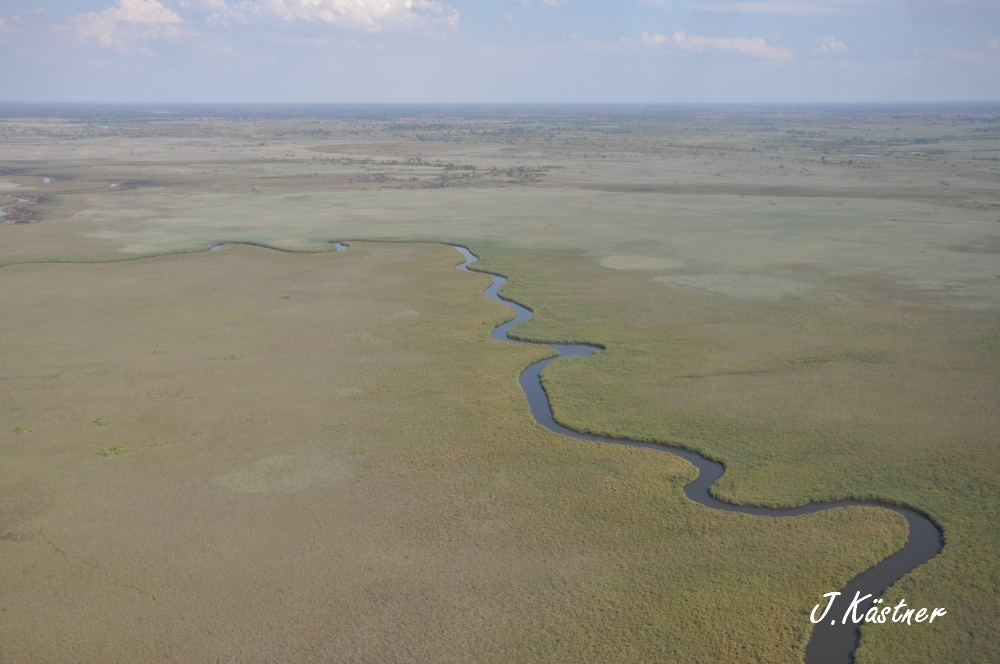 Botswana Treasures. sonne safari botswana afrika  tui berlin Botswana Flussarm