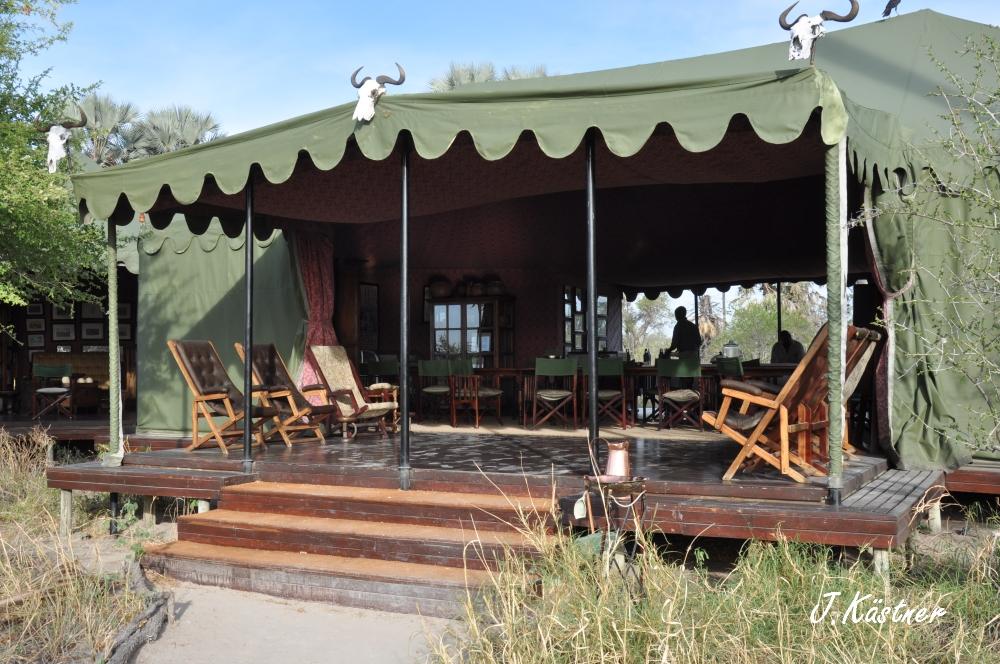Botswana Treasures. sonne safari botswana afrika  tui berlin Botswana Jacks Camp Kalahari Zelt Wueste