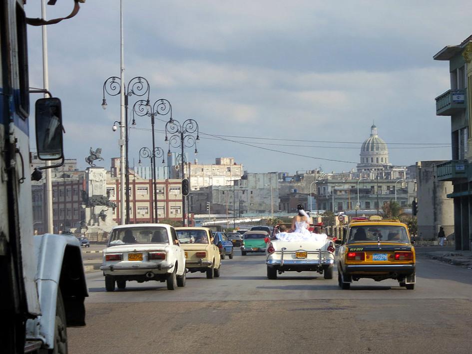 Cuba. Libre? Alles eine Frage der Mobilität staedtereisen sonne kuba karibik mittelamerika  tui berlin kuba rundreise hochzeit oldtimer