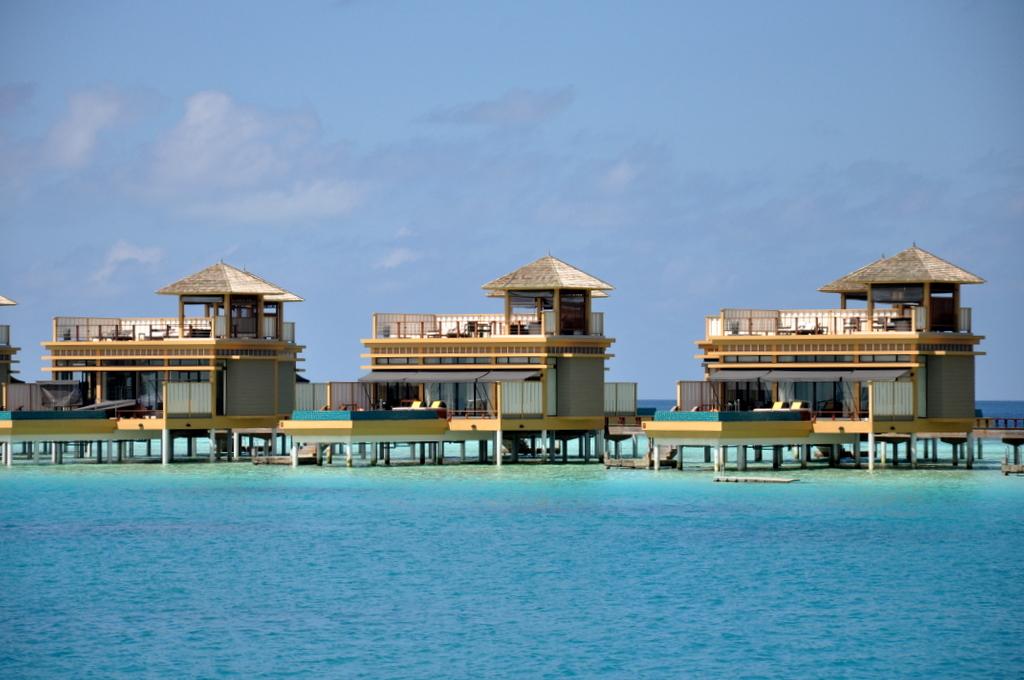 Malediven. Bring mich auf die Palme. Banyan Tree und Angsana. strand sonne malediven indischer ozean orient honeymoon 2  tui berlin malediven angsan velavaru inocean villen