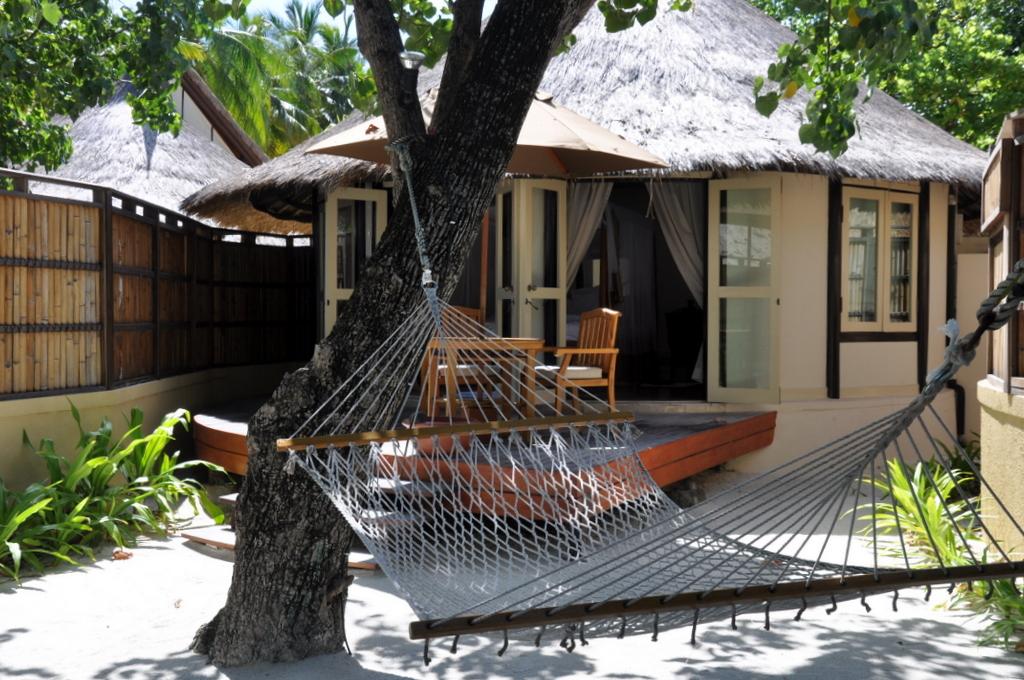 Malediven. Bring mich auf die Palme. Banyan Tree und Angsana. strand sonne malediven indischer ozean orient honeymoon 2  tui berlin Malediven Banyan Tree