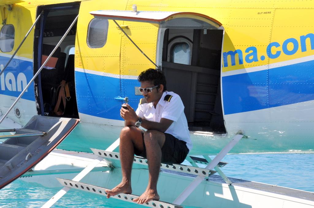 Malediven. Bring mich auf die Palme. Banyan Tree und Angsana. strand sonne malediven indischer ozean orient honeymoon 2  tui berlin Malediven Flugzeug Kapitaen