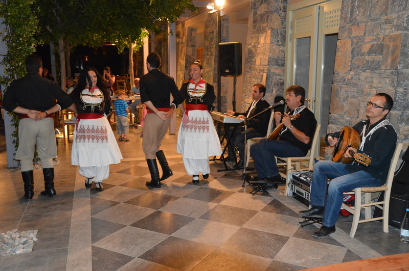 Glücklich Kochen auf Kreta strand sonne griechenland familie europa  tui berlin kreta daios cove taverna restaurant