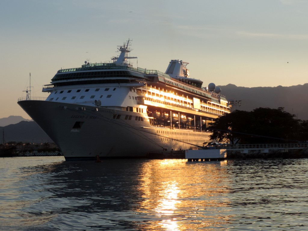 Durch den Panamakanal von Fort Lauderdale nach San Diego. usa sonne kreuzfahrt karibik mittelamerika  tui berlin panamakanal kreuzfahrt legend of the seas puerta vallarta 1