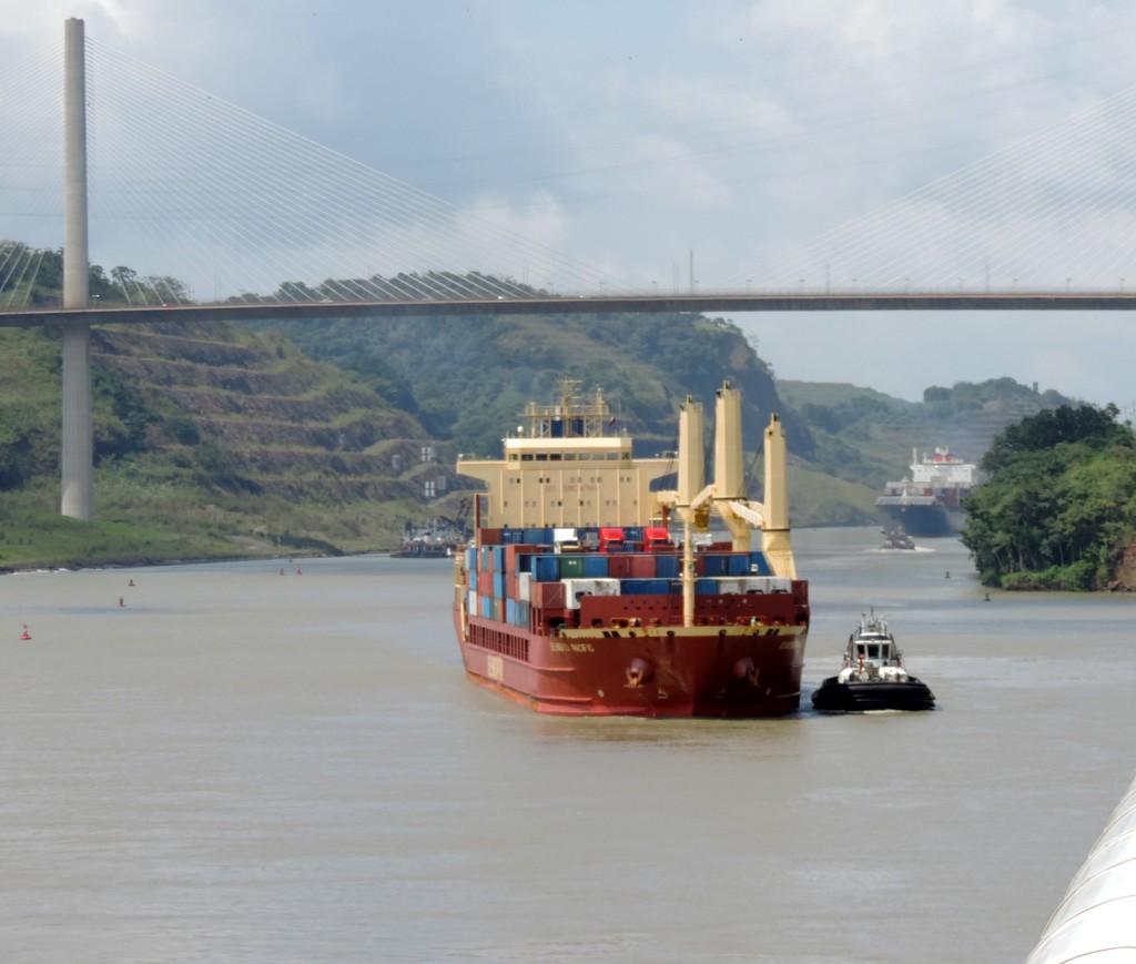 Durch den Panamakanal von Fort Lauderdale nach San Diego. usa sonne kreuzfahrt karibik mittelamerika  tui berlin verkehr panamakanal 1
