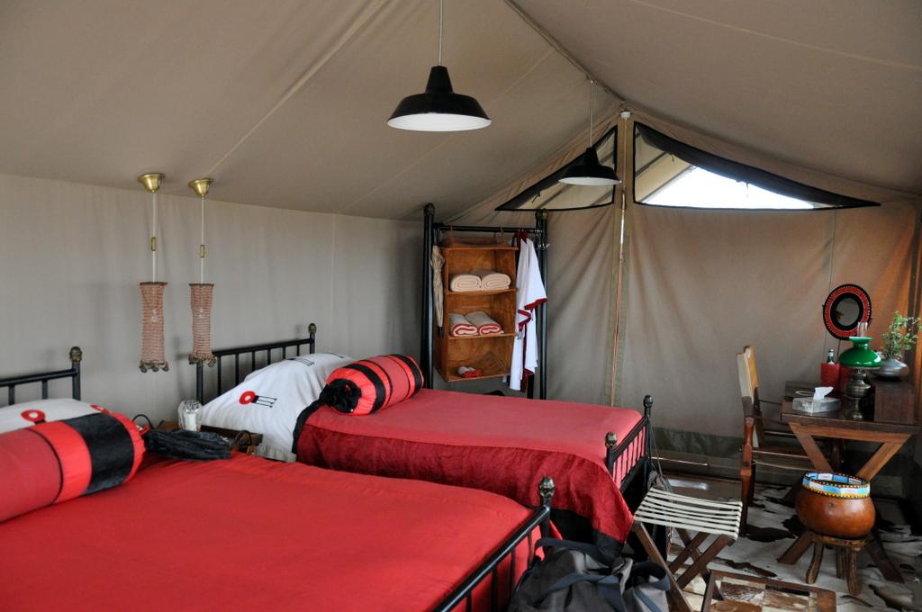 Hunderttausend Gnus und wir. Begegnungen in Tansania. tansania safari afrika  tui berlin Tansania Shumata Camp Kilimanscharo