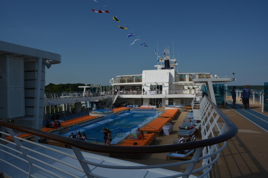 Premierenfahrt mit der Mein Schiff 3 kreuzfahrt europa  tui berlin mein schiff 3 aussenpool 1