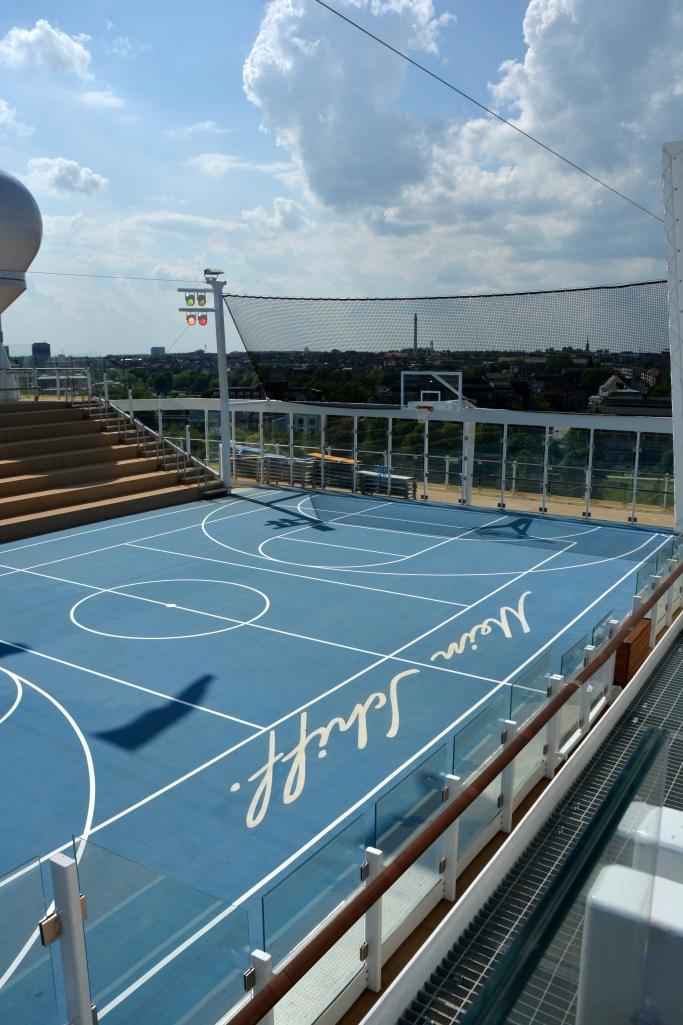 Premierenfahrt mit der Mein Schiff 3 kreuzfahrt europa  tui berlin mein schiff3 basketball 1