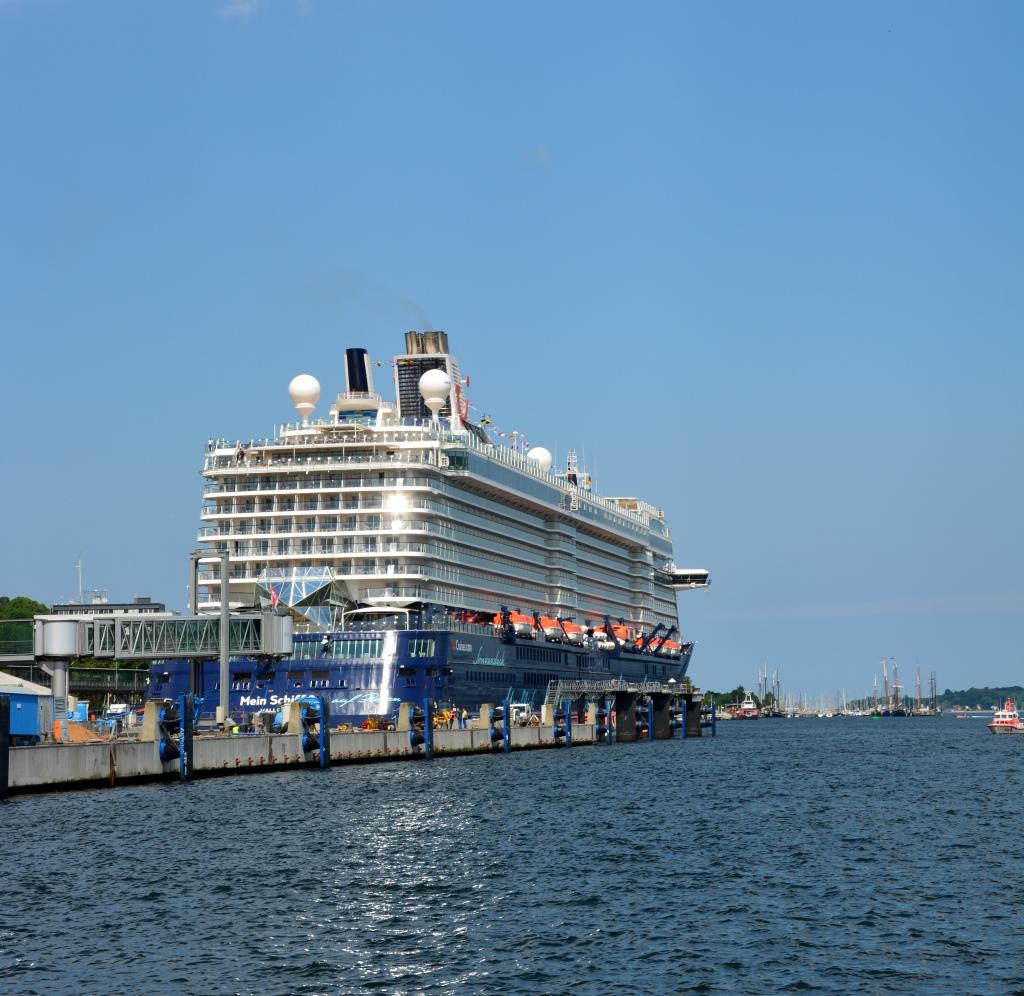 Premierenfahrt mit der Mein Schiff 3 kreuzfahrt europa  tui berlin mein schiff3 blick 1