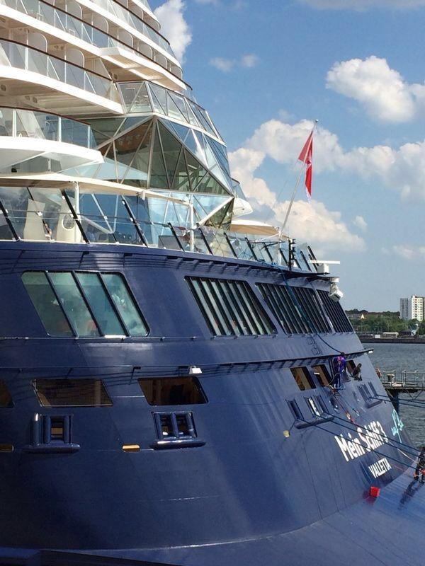 Premierenfahrt mit der Mein Schiff 3 kreuzfahrt europa  tui berlin mein schiff3 heck 1