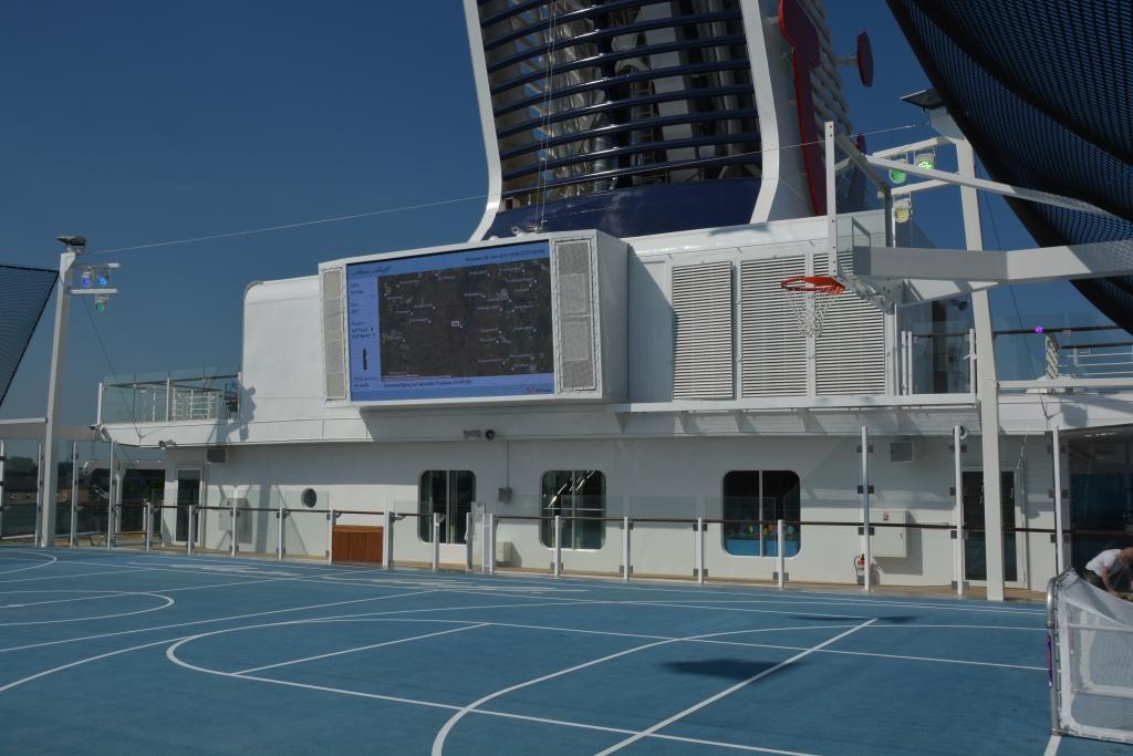Premierenfahrt mit der Mein Schiff 3 kreuzfahrt europa  tui berlin mein schiff3 sport platz 1