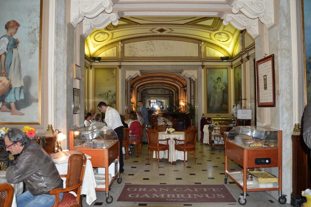 Sibylles Italienreise   von Napoli bis Amalfi staedtereisen sonne land und leute italien europa  tui belrin italien neapel gran caffee gambrinus 1