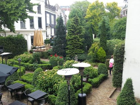 I amsterdam. staedtereisen niederlande europa  tui berlin amsterdam grachten garten 1