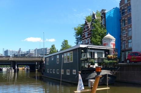 I amsterdam. staedtereisen niederlande europa  tui berlin amsterdam hausboot 1