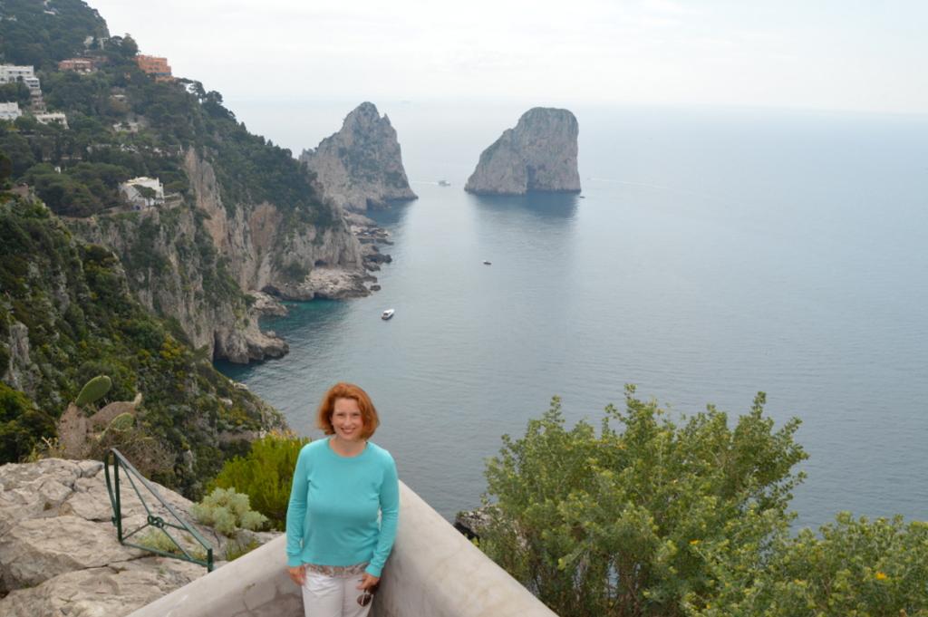 Sibylles Italienreise   von Napoli bis Amalfi staedtereisen sonne land und leute italien europa  tui berlin italien capri feraglioni felsen 1