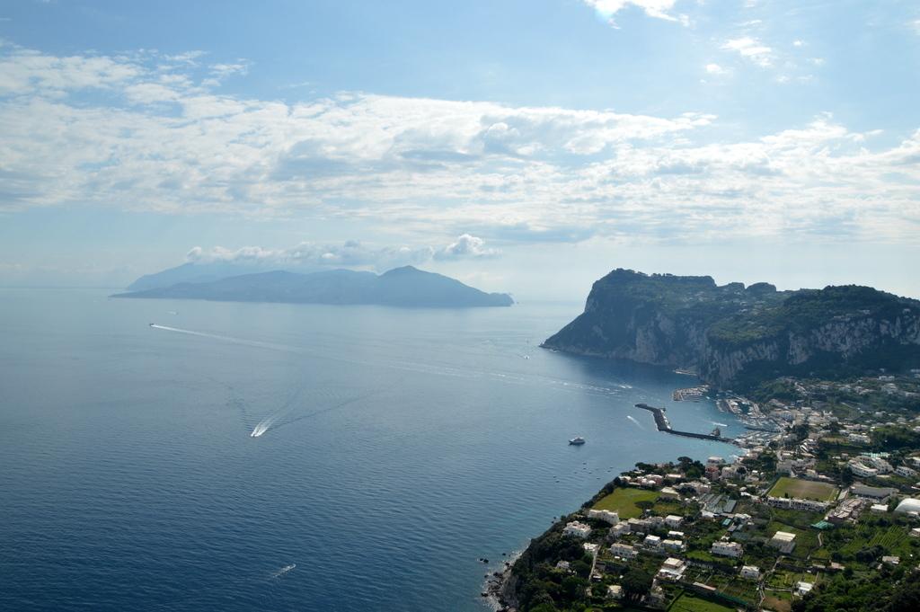 Sibylles Italienreise   von Napoli bis Amalfi staedtereisen sonne land und leute italien europa  tui berlin italien capri panorama neapel ischia 1