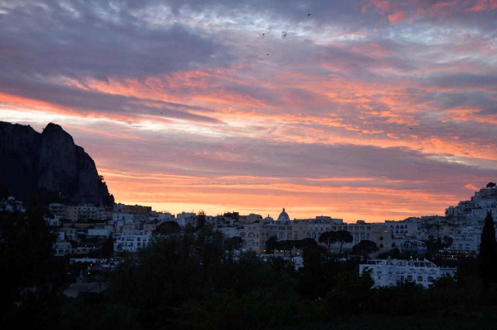 Sibylles Italienreise   von Napoli bis Amalfi staedtereisen sonne land und leute italien europa  tui berlin italien capri sonnenuntergang 1