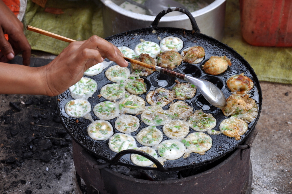Myanmar. Von goldenen Pagoden und Einbein Fischern. sonne land und leute myanmar asien  tui berlin myanmar inle see markt essen 1
