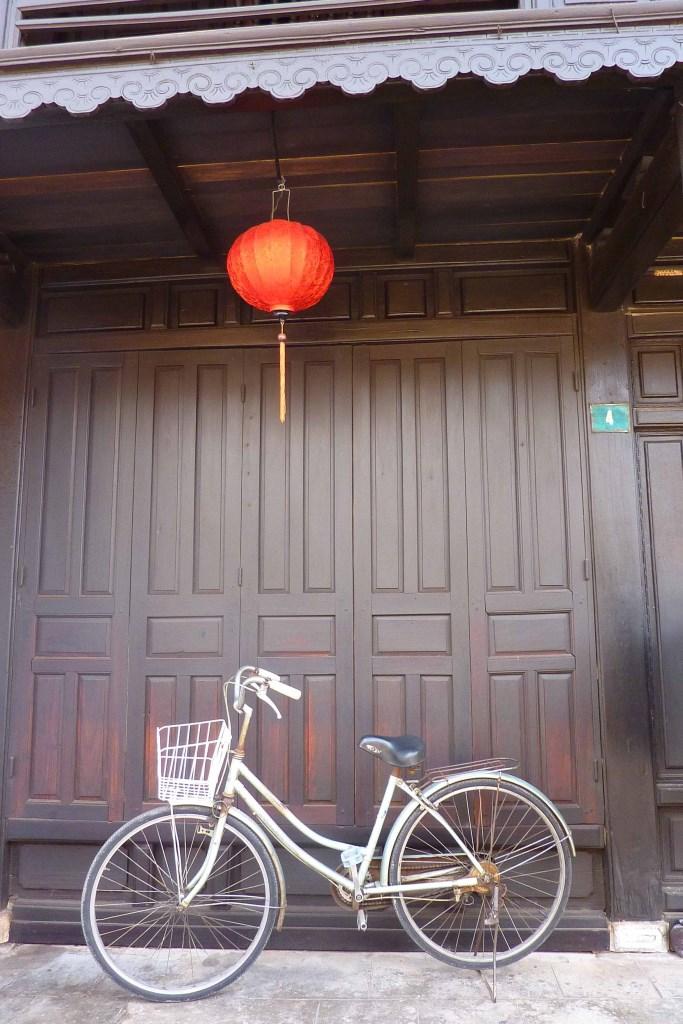 Tunnelhäuser und Maßanzüge   in Shoppinglaune durch Hoi An vietnam land und leute asien  tui berlin vietnam hoi an fahrrad 1