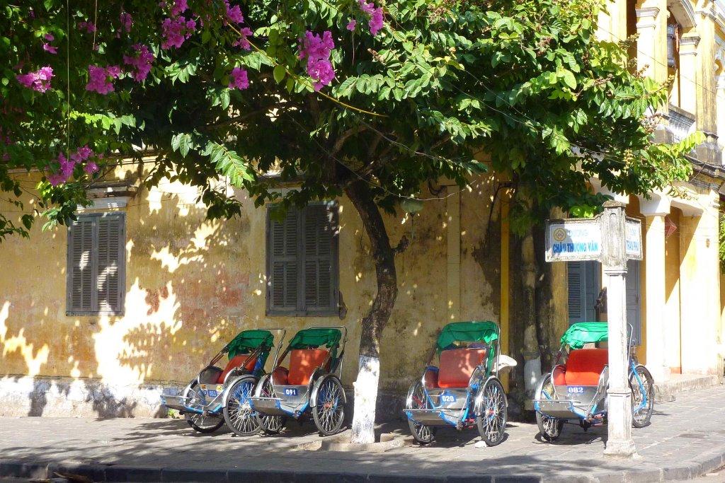 Tunnelhäuser und Maßanzüge   in Shoppinglaune durch Hoi An vietnam land und leute asien  tui berlin vietnam hoi an rikscha taxi fahrrad 1