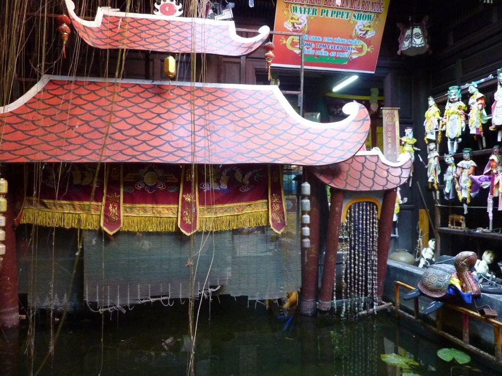 Tunnelhäuser und Maßanzüge   in Shoppinglaune durch Hoi An vietnam land und leute asien  tui berlin vietnam hoi an wasserpuppentheater 1