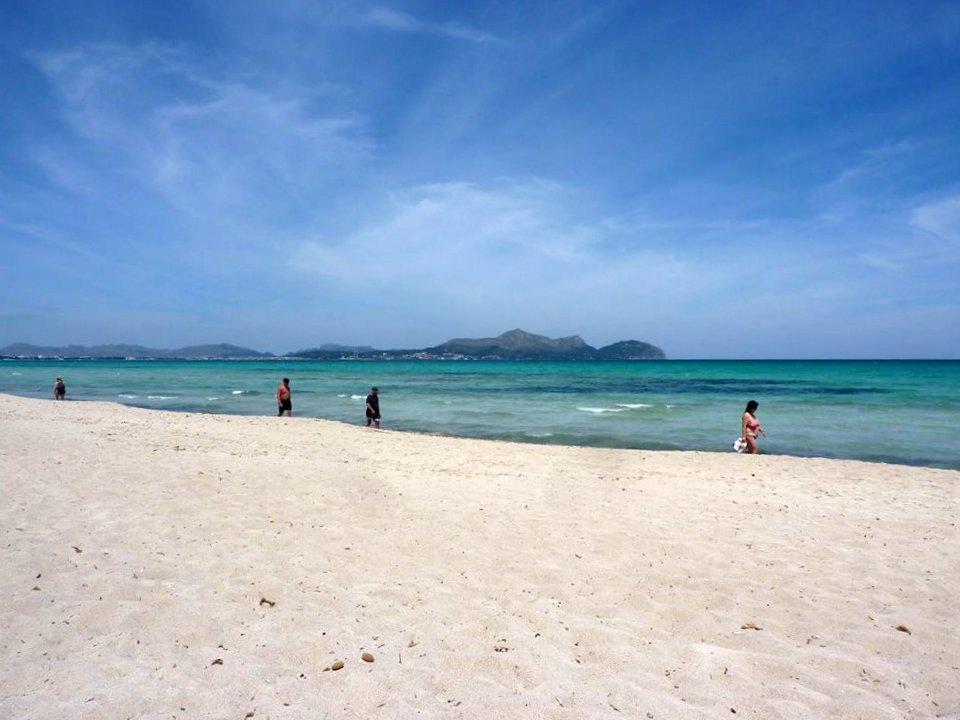Unsere Top 10 der Traumstrände weltweit. strand indischer ozean orient europa asien karibik mittelamerika  Platja de Muro Lieblingsstrand