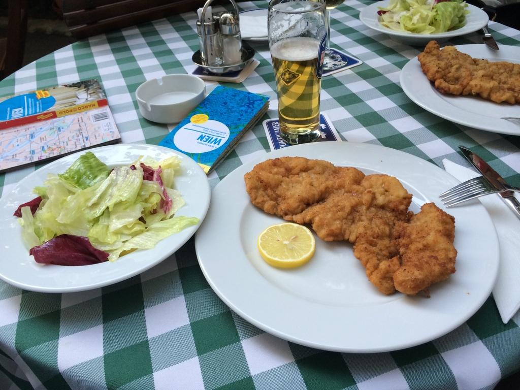 Wien und Bratislava   eine Städtekombination mit Aussicht staedtereisen oesterreich europa  tui berlin wien gasthaus ubl 1