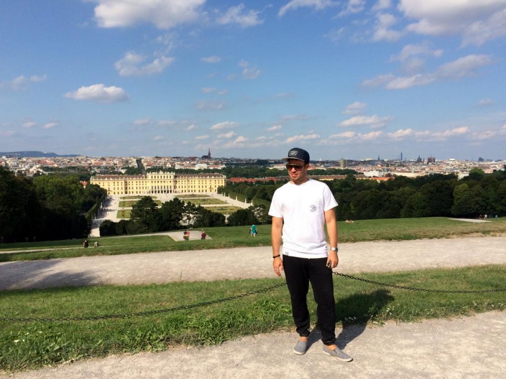Wien und Bratislava   eine Städtekombination mit Aussicht staedtereisen oesterreich europa  tui berlin wien schoenbrunn aussicht timo becker 1
