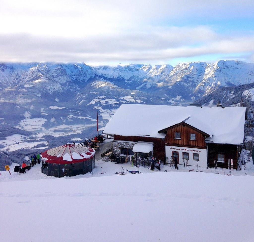 Werfenweng   Winterurlaub für Familien winterurlaub schnee oesterreich familie europa  tui berlin skihuette oesterreich werfenweng