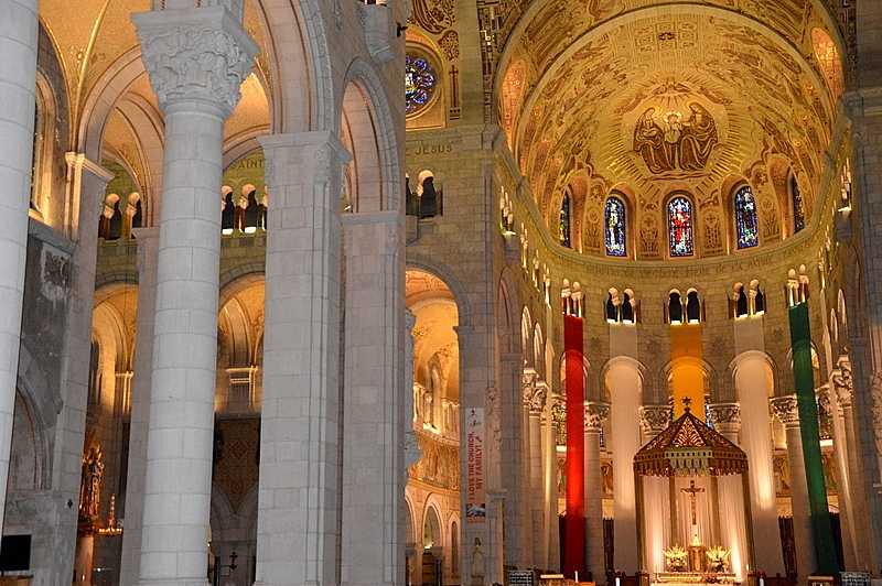 Auf Weltreise im Privatjet: Teil 2   Quebec und Tadoussac staedtereisen kanada karibik mittelamerika  tui berlin weltreise basilika der heiligen anna quebec