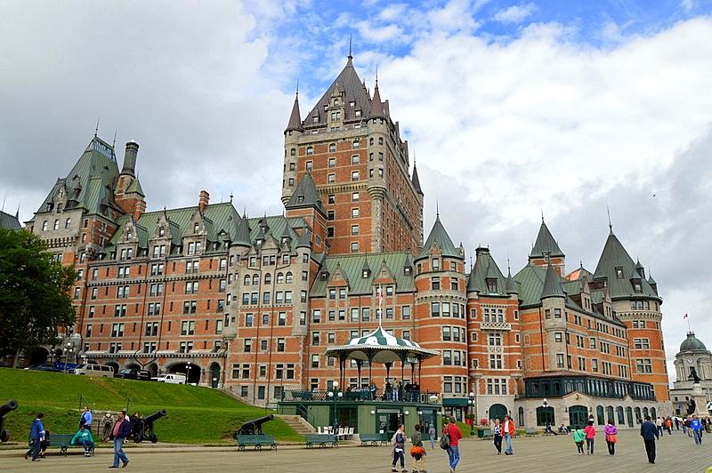 Auf Weltreise im Privatjet: Teil 2   Quebec und Tadoussac staedtereisen kanada karibik mittelamerika  tui berlin weltreise kanada chateau frontenac fairmont