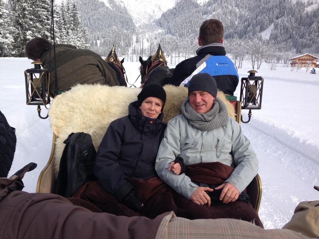 Werfenweng   Winterurlaub für Familien winterurlaub schnee oesterreich familie europa  tui berlin werfenweng pferdeschlitten matthias kant