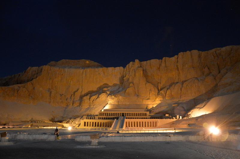 Neulich am Nil staedtereisen sonne land und leute kreuzfahrt aegypten afrika  tui berlin Aegypten Hatschepsut Tempel