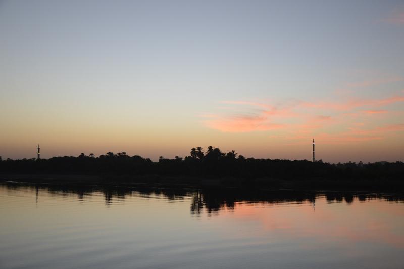 Neulich am Nil staedtereisen sonne land und leute kreuzfahrt aegypten afrika  tui berlin Aegypten Nilkreuzfahrt daemmerung