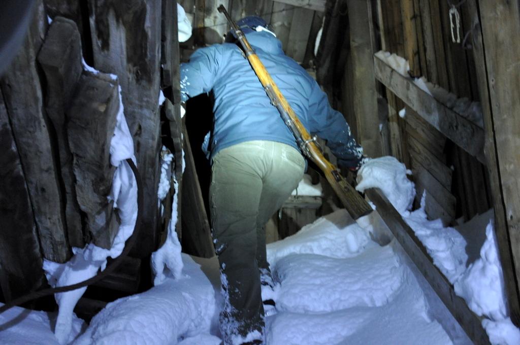 Svalbard   78° 13′ N, 15° 38′ O   Mein Abenteuer nördlich des Polarkreises. schnee land und leute norwegen europa  tui berlin Svalbard Miene