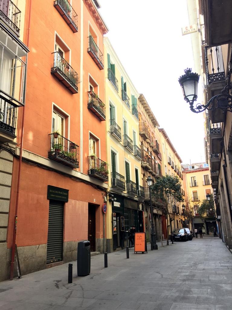 Kurze Wege in Madrid staedtereisen spanisches festland sonne reisebericht europa  tui berlin madrid altstadt gasse