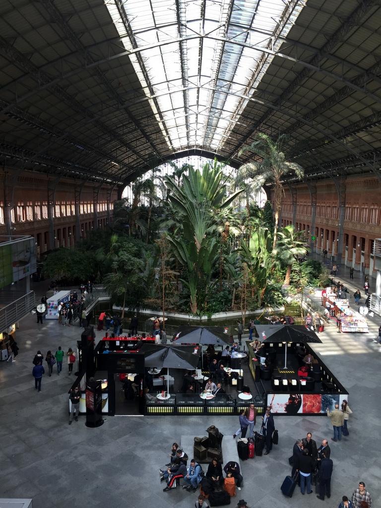 Kurze Wege in Madrid staedtereisen spanisches festland sonne reisebericht europa  tui berlin madrid atocha bahnhof halle
