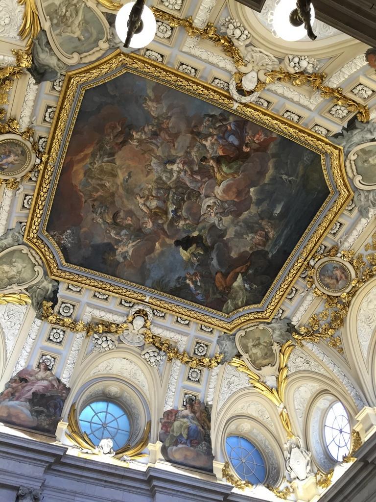 Kurze Wege in Madrid staedtereisen spanisches festland sonne reisebericht europa  tui berlin madrid palacio real de madrid deckengemaelde
