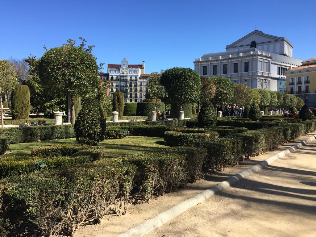 Kurze Wege in Madrid staedtereisen spanisches festland sonne reisebericht europa  tui berlin madrid park oper