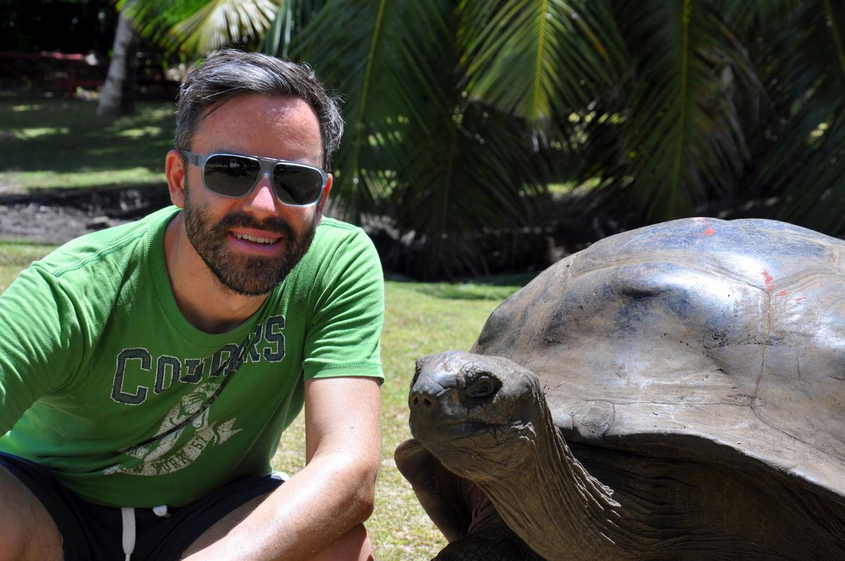 Traumtage auf den Seychellen: Mahé   La Digue   Praslin strand sonne seychellen indischer ozean orient honeymoon 2  tui berlin Seychellen Joerg Kaestner Landschildkroete