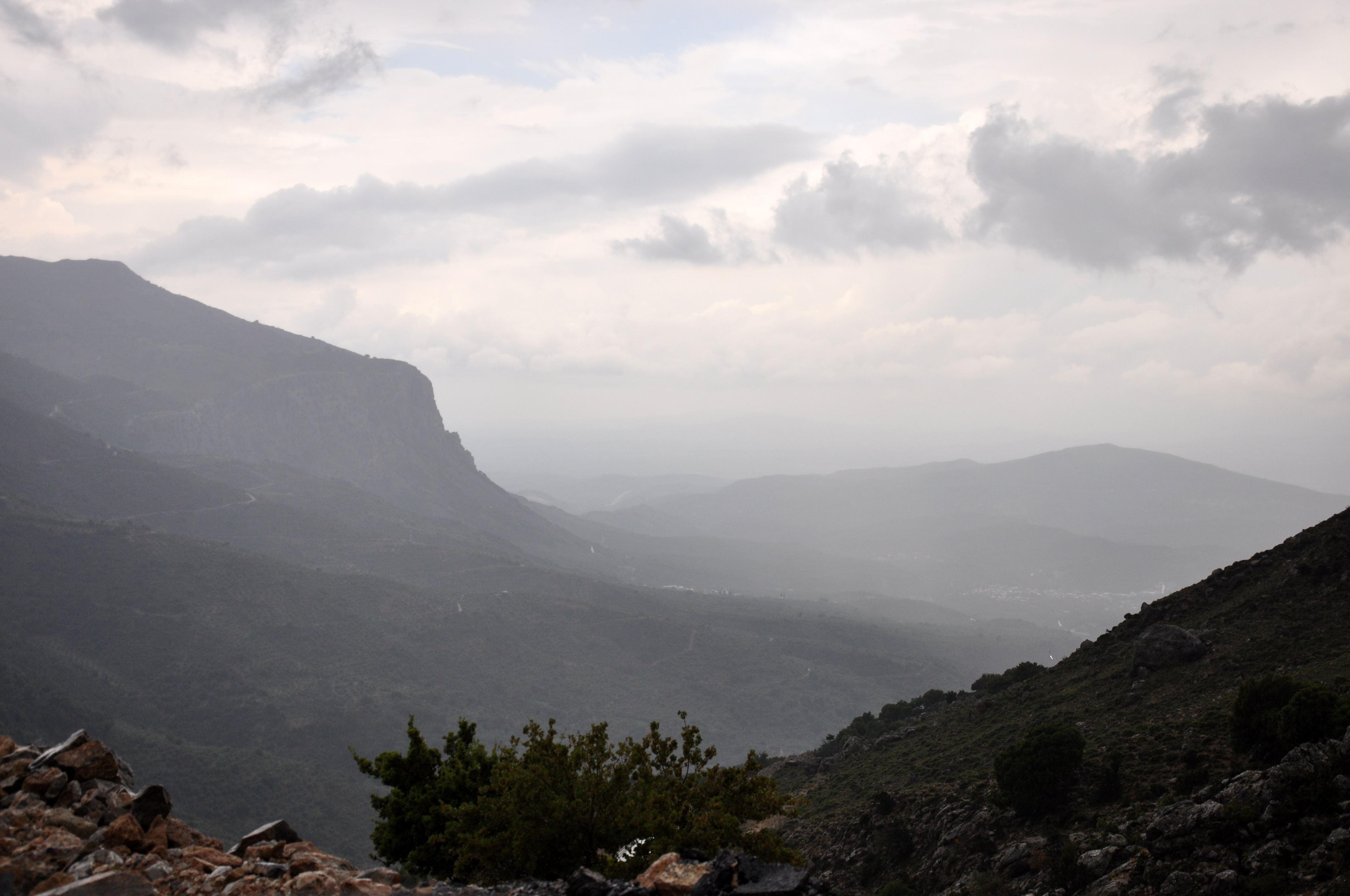 Offroad auf Kreta unterwegs   Land Rover Adventure Tour Greece 2015 sonne land und leute griechenland europa  tui berlin kreta berge ausblick