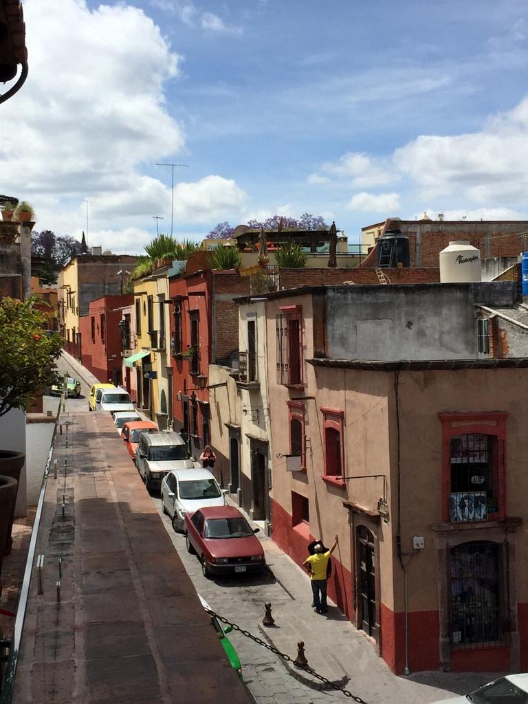 Kleine Mexiko Rundreise   Teil 2: San Miguel de Allende staedtereisen sonne land und leute mexiko karibik mittelamerika  tui berlin mexiko san miguel de allende gasse