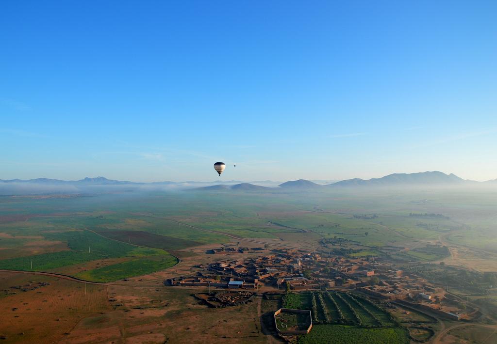 Mit dem Heißluftballon über Marrakesch schweben staedtereisen sonne marokko afrika  tui berlin Marrakesch Ballonfahrt