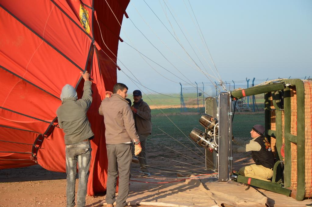 Mit dem Heißluftballon über Marrakesch schweben staedtereisen sonne marokko afrika  tui berlin Marrakesch Ballonfahrt2