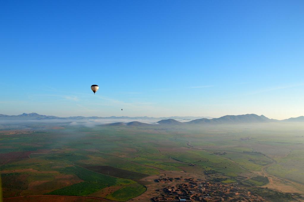 Mit dem Heißluftballon über Marrakesch schweben staedtereisen sonne marokko afrika  tui berlin Marrakesch Ballonfahrt3