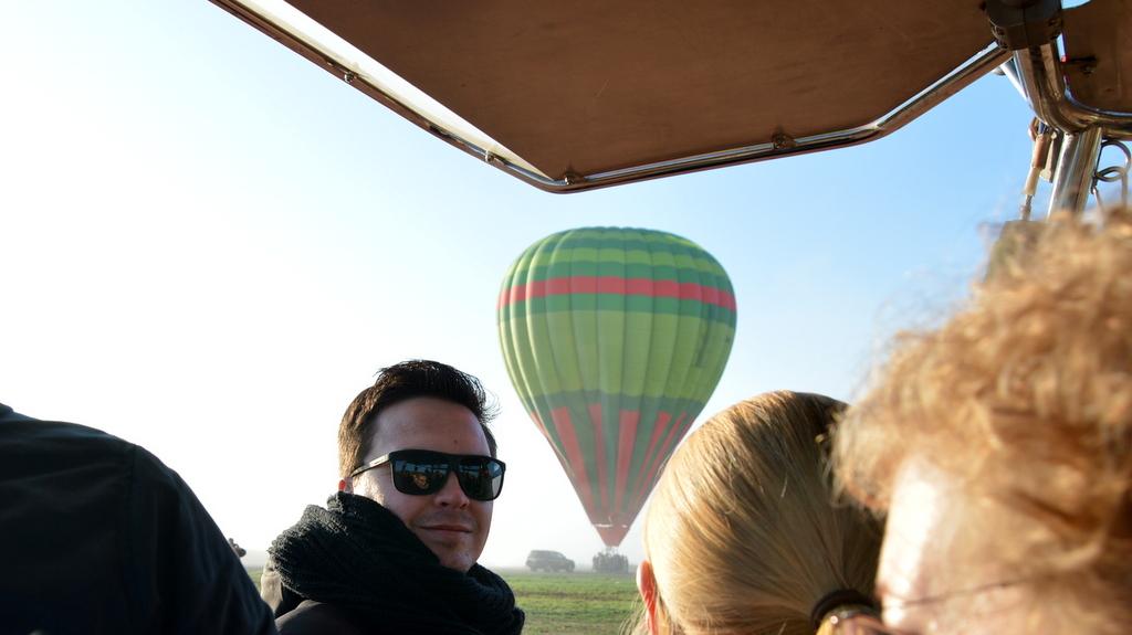 Mit dem Heißluftballon über Marrakesch schweben staedtereisen sonne marokko afrika  tui berlin Marrakesch Heissluftballonfahrt