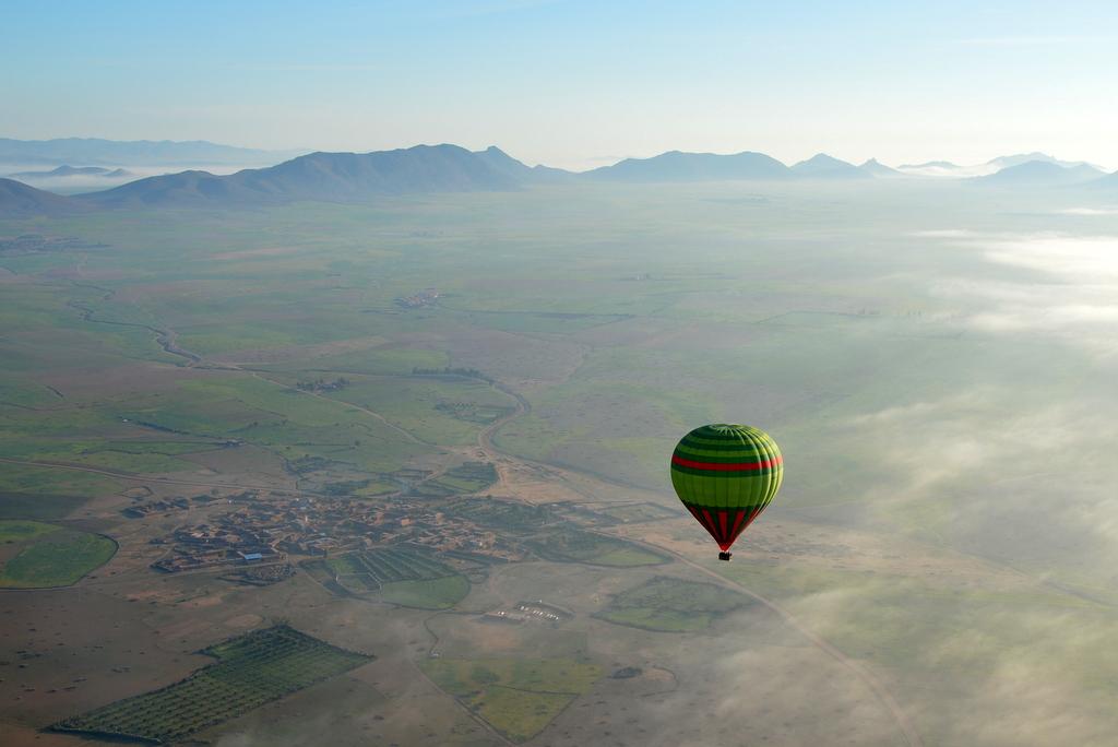 Mit dem Heißluftballon über Marrakesch schweben staedtereisen sonne marokko afrika  tui berlin Marrakesch Schweben