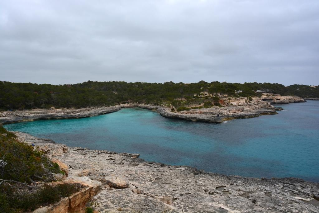Mein perfektes Mallorca Wochenende staedtereisen sonne land und leute mallorca familie europa  tui berlin mallorca bucht cala mondrago