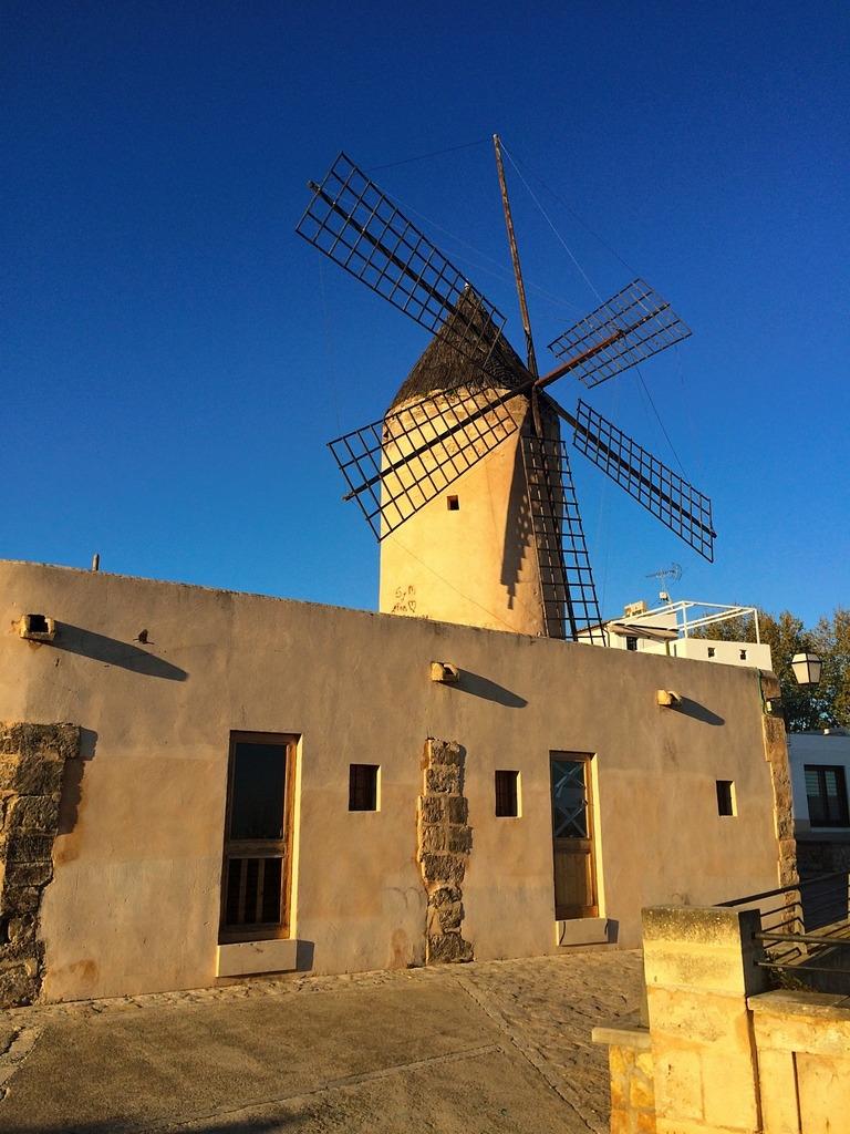 Mein perfektes Mallorca Wochenende staedtereisen sonne land und leute mallorca familie europa  tui berlin mallorca palma windmuehle
