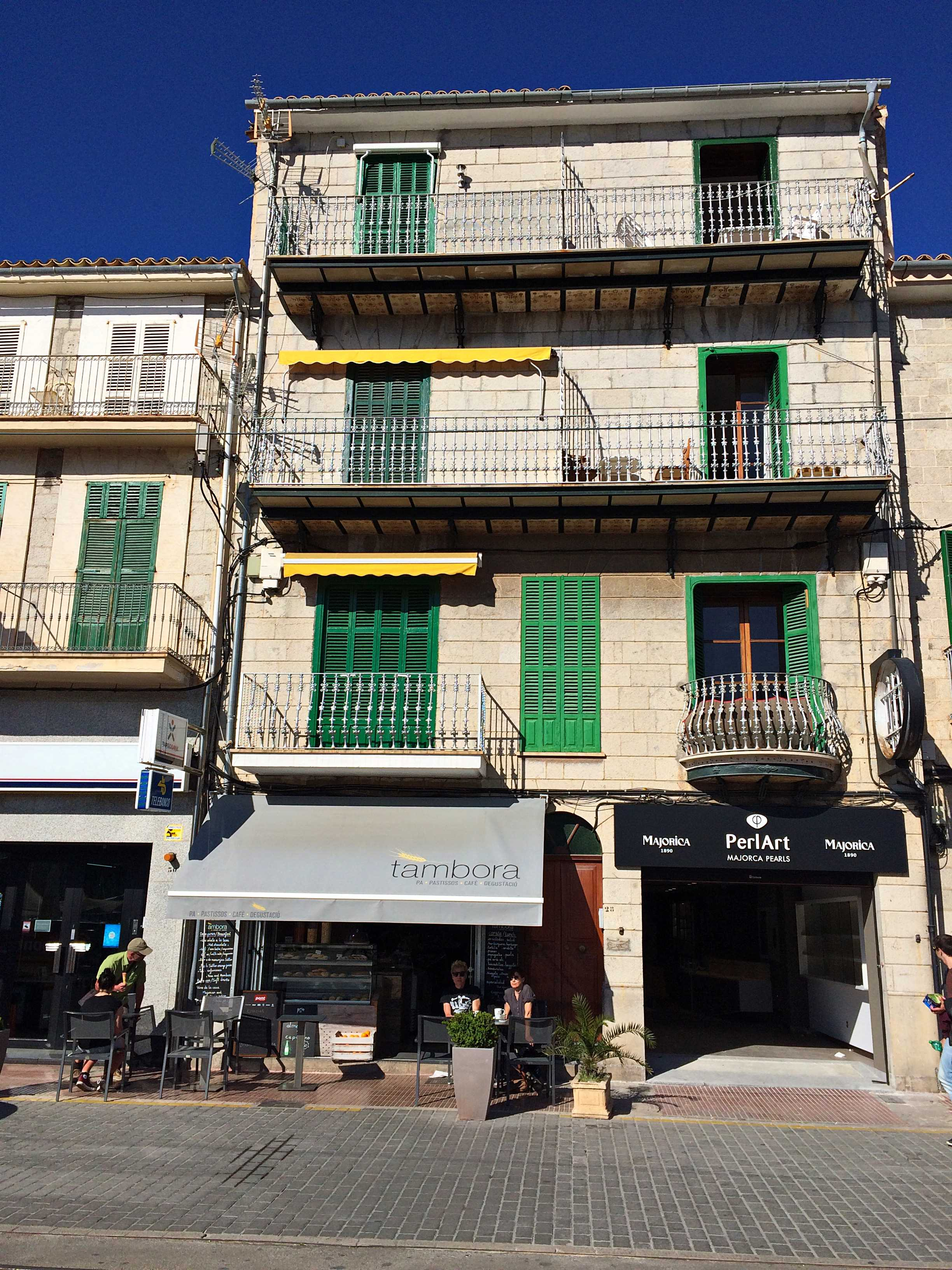 Mein perfektes Mallorca Wochenende staedtereisen sonne land und leute mallorca familie europa  tui berlin mallorca port de soller tambora